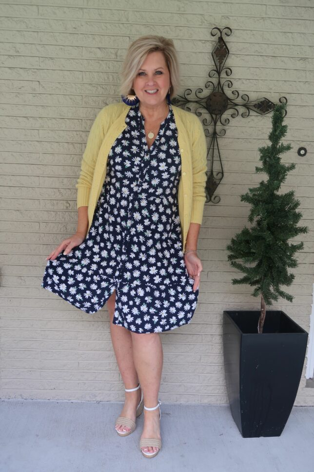 50 IS NOT OLD | DAISIES ARE THE FRIENDLIEST FLOWER | FASHION OVER 40