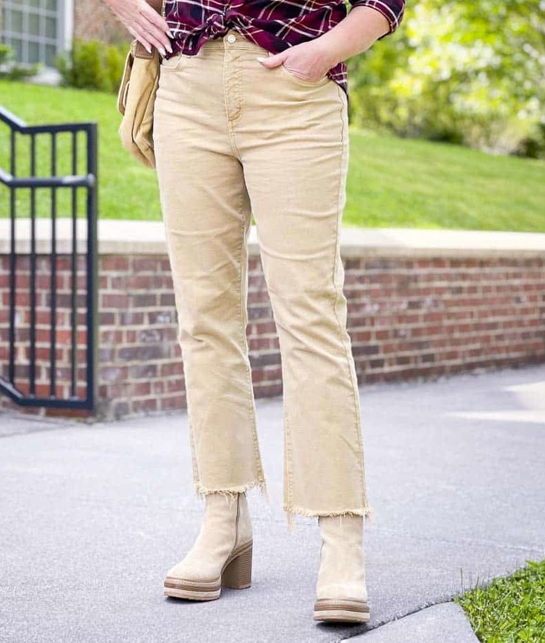 Over 40 Fashion Blogger, Tania Stephens is wearing crop jeans with platform boots